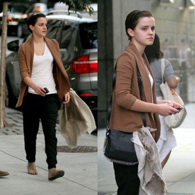 Emma a la sortie de son hotel .