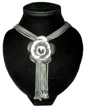 Collier Cravate cowboy Fleur coloris argent