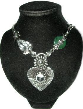 Collier Vintage gros coeur avec pierre blanche et agate.
