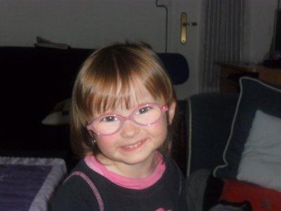 Mélody avec ses nouvelle lunette