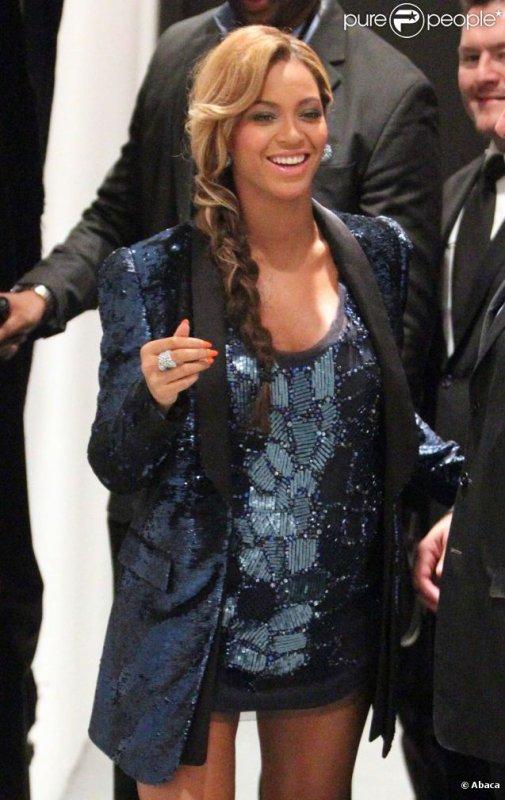 Beyoncé splendide et enceinte lors du lancement de son parfum, Pulse, le 21 septembre à New York