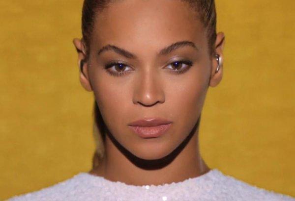 Tuerie de Newtown : Beyoncé laisse un message en hommage aux victimes