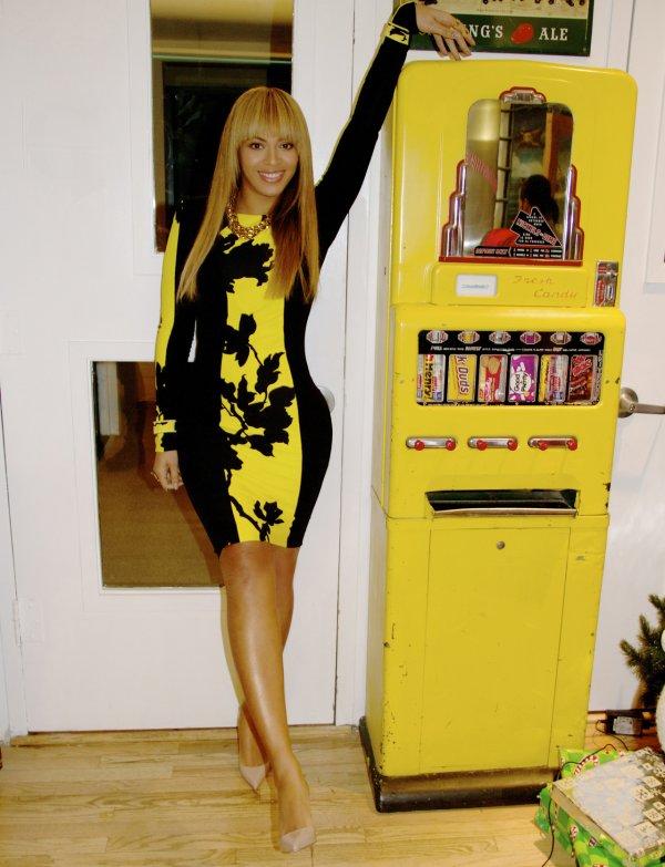 Beyonce : 100 fans monteront sur scène avec elle pour le Super Bowl 2013,   Beyoncé en Une de Vogue ?