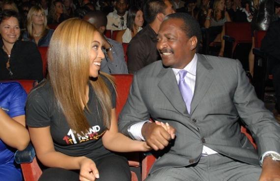 Beyoncé : Son père n'a pas vu Blue Ivy depuis sa naissance !