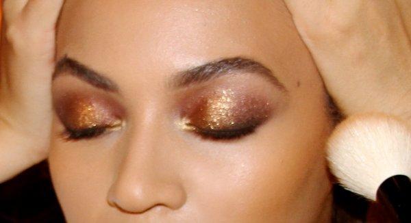 Beyoncé maquillée glitter