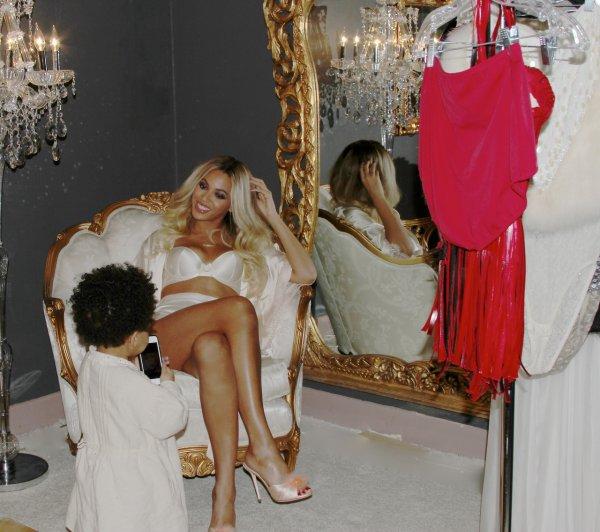 Beyonce : Blue Ivy, 2 ans et deja une manucure !, Beyoncé : des photos torrides et sexy sur Tumblr