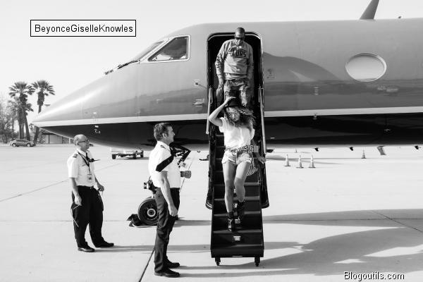"""Beyoncé  Beyoncé : elle débarque par surprise à Coachella et rejoint Solange sur scène pour un duo """"ouffissime"""""""