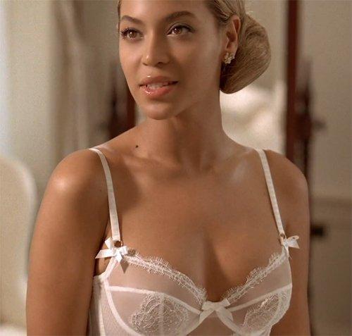 Beyonce est prete  a poser nu ; Beyoncele le retour  en studio
