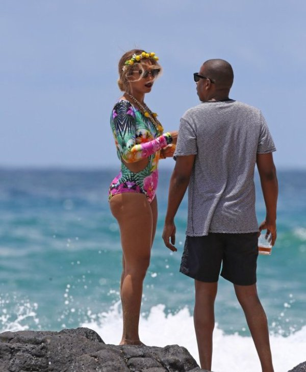 Beyoncé profite en famille de quelques jours de repos à Hawaï      ,sexy pour la finale NBA