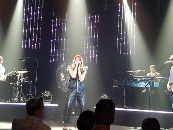 Le Concert de Julie Zenatti le 19 juin 2021 a Lille ( 2 )