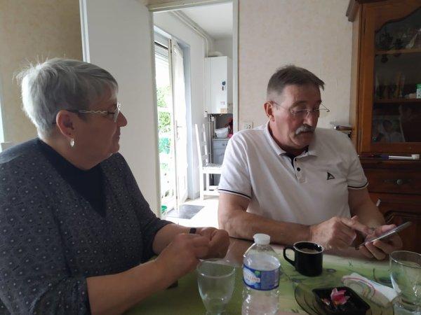 Chez Christine la maman de Fabrice , première rencontre de nous avec son nouveau chéri Dominique le 10 octobre 2021 ( 1 )