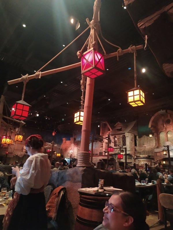 Restaurant Pirates Paradise Lille a Neuville en Ferrain avec nos amis Anne Sophie et Cathy le 17 octobre 2021 ( 1 )