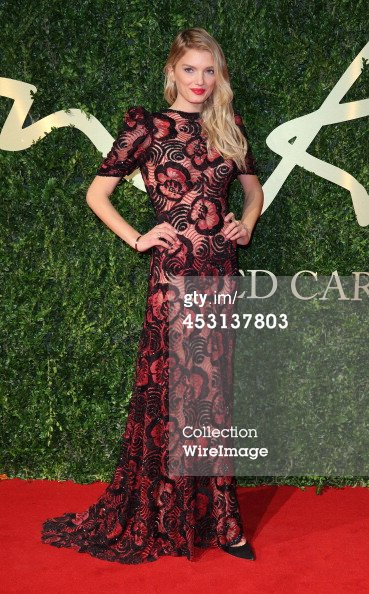 Lily Donaldson assiste aux Fashion Awards britanniques 2013 au Coliseum de Londres