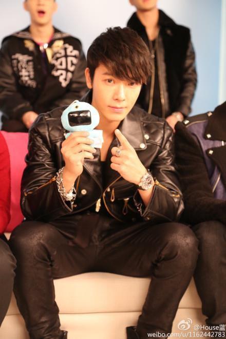 130108 #优酷名人坊#SJ-M is coming - DONGHAE