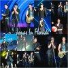 Les Jonas Brothers se  sont regrouper au stade à l'Amphithéâtre Cruzan à West Palm Beach, en Floride le 7 septembre.