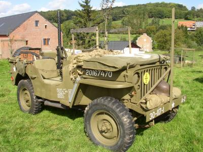 ma jeep une willys mb de 1943 us43. Black Bedroom Furniture Sets. Home Design Ideas