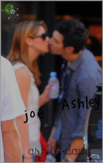 Joe Jonas && Ashley Greene .