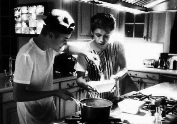 Niall Horan , Justin bieber et Zayn Malik :D