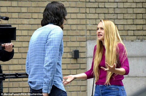 21/05/2015: Jem était en tournage pour la saison 5 de Girls. Elle était avec Adam Driver. Les paparazzis ne les ont pas laché de la journée de l'arrivé au plateau, aux pauses clopes/déjeuner et aux prises de scènes ils ont tout photographié.