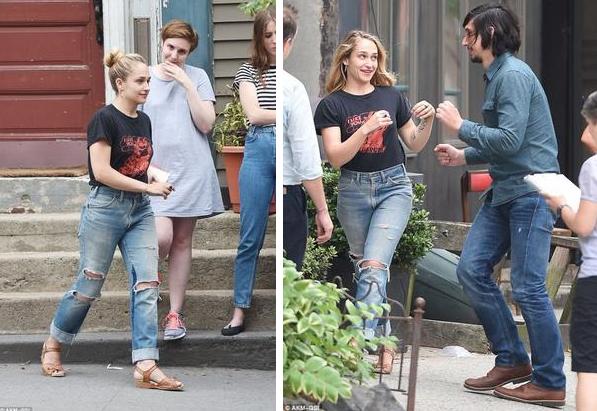 2/07/2015: Jem était de tournage pour la série Girls (comment dire qu'elle était sublime?). Elle était accompagnée de Lena (qui a posté une photo de Jem avec Teddy Blanks, un ami commun le meme jour... c'est la 1ere photo.) et d'Adam Driver. Dans une des scènes tournées Jessa, son personnage dans la série, embrasse une fille (ça n'est pas la première fois à voir si là c'est pour une relation sérieuse... mais connaissant Jessa ça m'étonnerai)