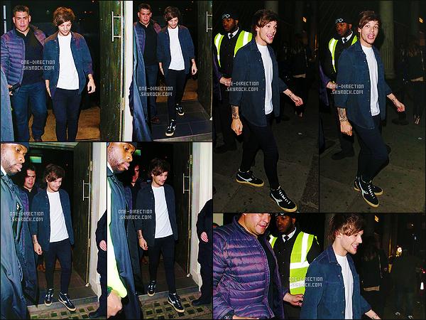 08/03/2015 :  Louis a été photographié alors qu'il arrivait à la boîte de nuit « Chinawhite » dans Londres.Je rappelle que Louis est un des jurés de l'émission télévisée « Be In The Band » et qu'il a fait de nombreuses auditions durant toute la semaine.