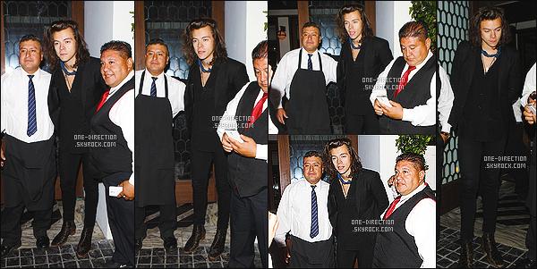 15/04/2015 : Harry S. a été aperçu alors qu'il quittait le restaurant « Cecconi » située à West Hollywood.Harry a prit le temps de prendre des photos avec les membres du restaurant. Je trouve ça adorable. Je sais pas quand est-ce qu'il revient à Londres.