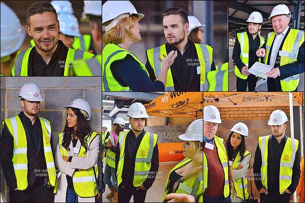 23/04/2015 : Louis T. a été aperçu alors qu'il se rendait à un studio d'enregistrement situé dans LondresEn effet, les One Direction sont en pleine écriture de leur cinquième album. Un album qui sera le premier sans la présence de Zayn Malik, ew...