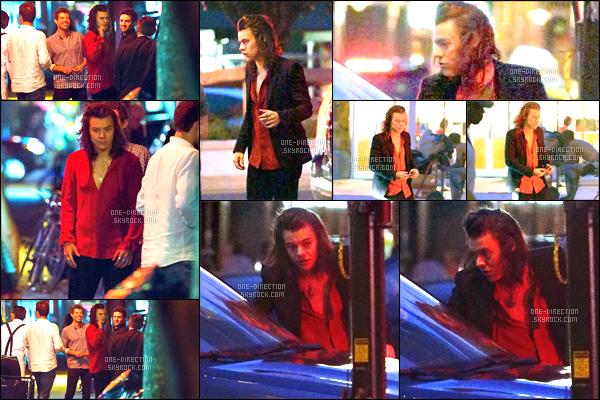 11/06/2015 : Harry a été aperçu en quittant l'hôtel « NYC » de New-York en compagnie de Sara Sampaio.Les deux compères ne sont qu'amis, ne vous faites pas trop d'espoir ou ne soyez pas trop déprimé à l'idée qu'Harry puisse être en couple avec elle..