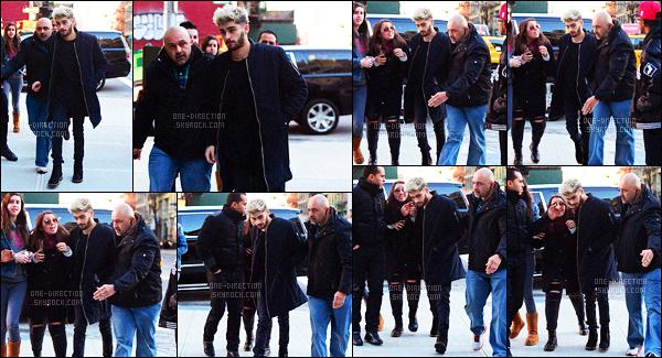 """04/01/2016 : Zayn a été photographié alors qu'il visitait plusieurs appartements dans la ville de New-YorkPour cette sortie, le petit pakistanais était accompagné de sa sois-disante """"petite-amie"""" Gigi H. La promotion de son album approchant à grand-pas !"""
