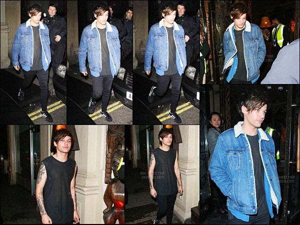 23/09/2015 : Niall & Louis ont été photographié en quittant la boîte de nuit « Mahiki » située dans LondresJe trouve que Louis est assez bizarre en ce moment. Il a l'air totalement ailleurs et totalement déprimé ou sous l'emprise de la drogue. C'est triste...
