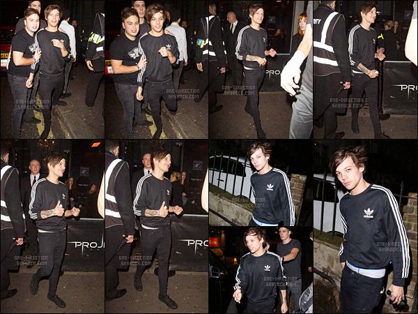 """29/12/2015 : Louis a été photographié alors qu'il quittait le club « Project » situé dans la capitale anglaiseC'est avec une tête de mort vivant que Louis a été aperçu en quittant le club en compagnie de sa """"sois-disante"""" petite-amie Danielle Campbell."""
