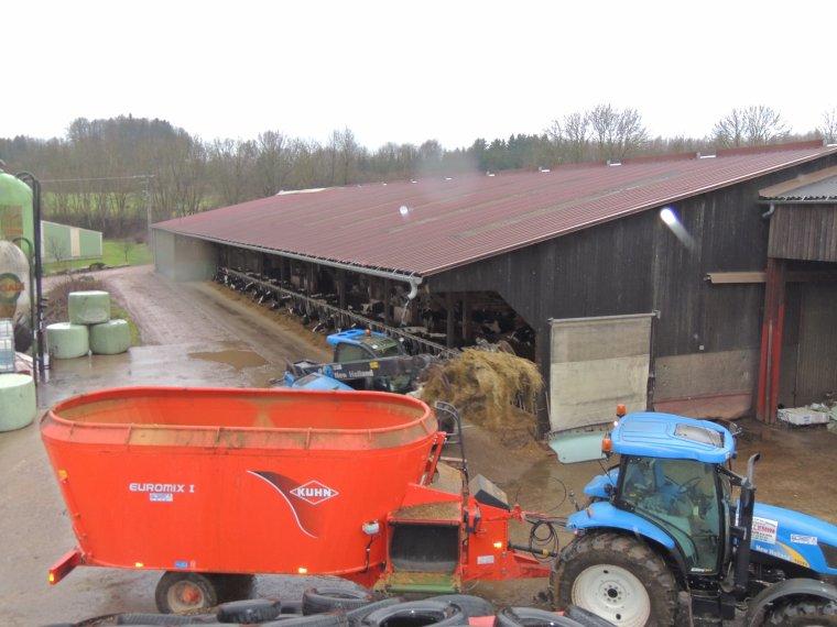 new holland LM5060     new holland t6060  et melangeuse kuhn