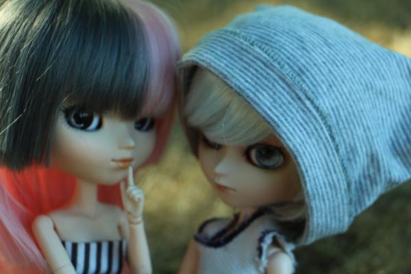 """""""Les blessures d'amitié sont inconsolables."""" -Jeconfirme;_;"""