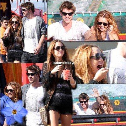 23.04.10:: Miley Cyrus & Liam Hemsworth au parc d'attractions Universal Studios.Ils semblaient vraiment passés un super moment !en commun avec cette article