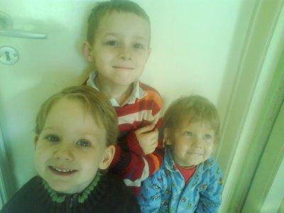 voici mes trois ange ou demon