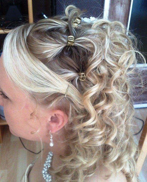 Coiffure cheveux long facile pour bapteme