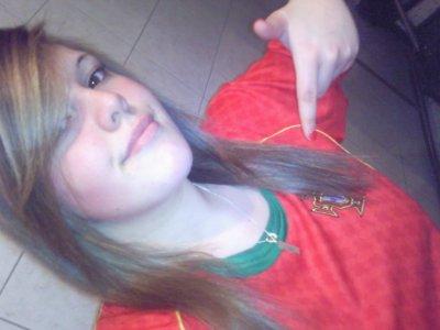 Toujours debout, jamais à genoux, et portugaise jusqu'au bout♥.