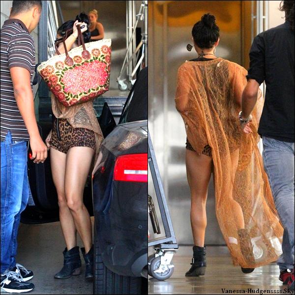 """Mercredi 1er Août 2012 : Vanessa a été vue arrivant et quittant les studios de """"Milk"""" à Los Angeles. Elle y a été pour un photoshoot dont voici une photo."""