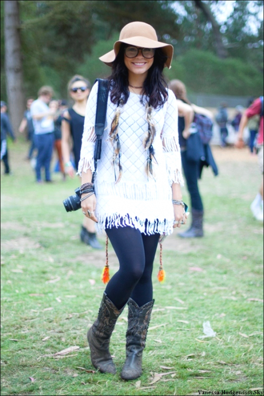 "Voici une nouvelle photo de Vanessa au festival ""Outside Lands"" à San Francisco."