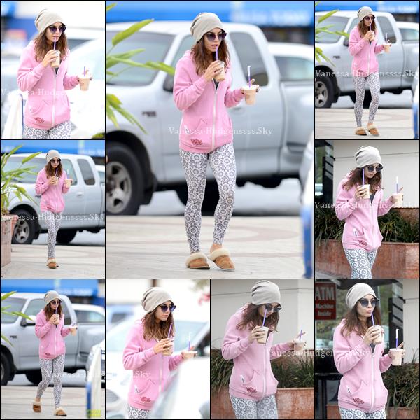 26/02/2014 : Vanessa a été vue lorsqu'elle sortait du Coffee Bean & Tea Leaf, à Los Angeles. Sa tenue est simple, mais assez jolie je trouve. Cependant c'est un BOF pour moi