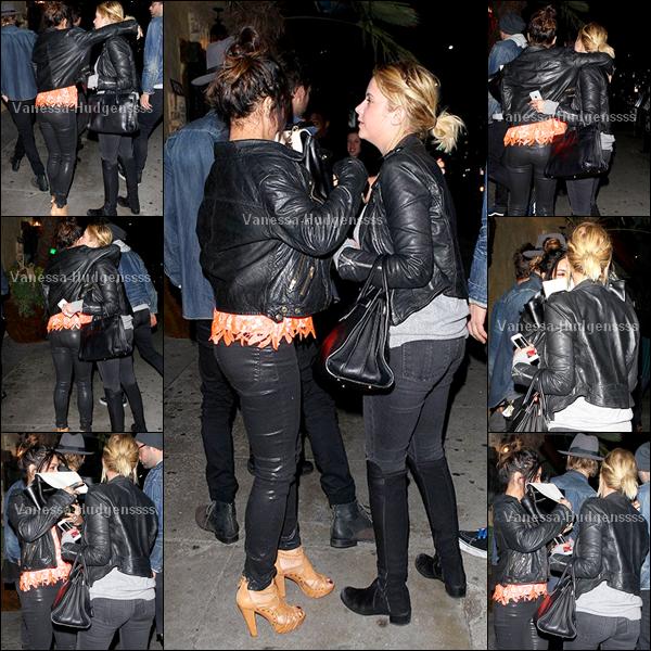 """11/03/2014 : Vanessa a été vue arrivant avec Austin Butler au restaurant """"El Compadre"""" dans West Hollywood. Pour sa tenue c'est un TOP"""