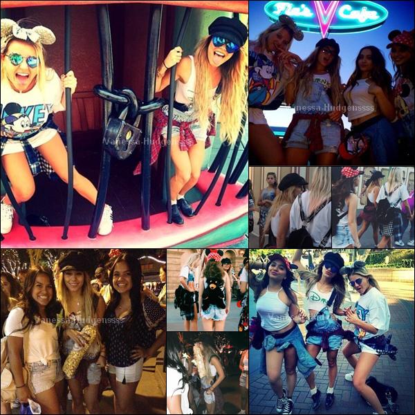 01.05.2014 : Vanessa était à Disneyland avec sa soeur Stella, et des amis Alec Holden et Georgia Magree.