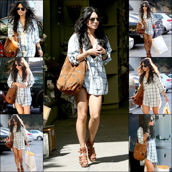 [Article flash back] - 21.04.2009 : Vanessa était dans les rues de Los Angeles. Encore un gros TOP pour la miss !