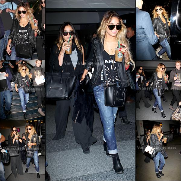 """08.05.2014 : Vanessa a été photographiée arrivant au """"LAX Airport"""" de Los Angeles avec sa soeur Stella. Pour Vanessa c''est un TOP, en revanche pour Stella je trouve que c'est un BOF. Et vous ?"""