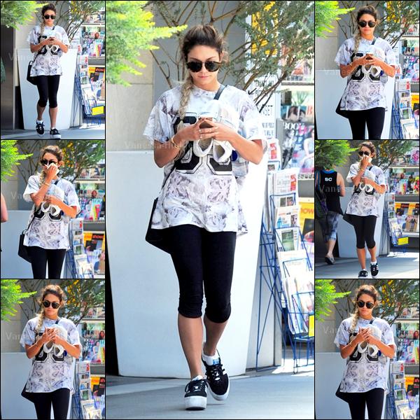 25.05.14 : Vanessa a été vue lorsqu'elle faisait quelques courses dans West Hollywood. Petit BOF pour Nessa