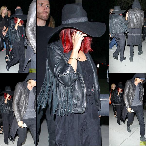 07.10.2014 : Vanessa et Austin Butler ont été aperçus sortant d'un concert de la chanteuse Lorde à Los Angeles. BOF pour la miss. Vos avis ?
