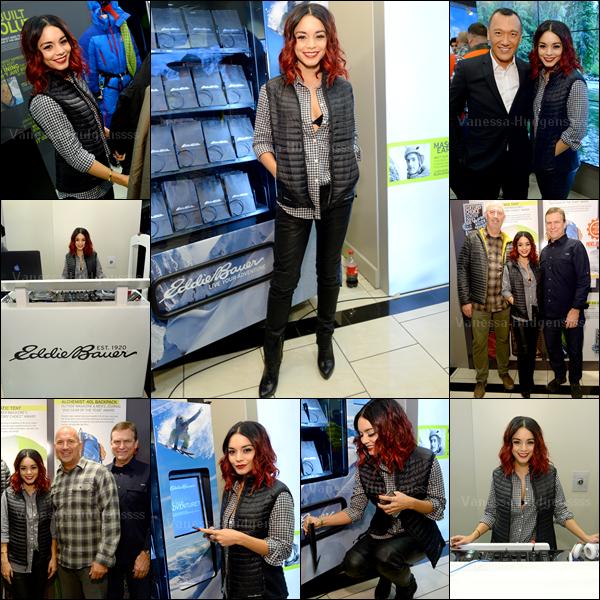 """05.11.2014 : Vanessa a d'abord été photographiée arrivant à l'aéroport """"JFK"""" à New-York, avec sa styliste Natalie Saidi. J'aime bien sa tenue, TOP. Vos avis ?"""