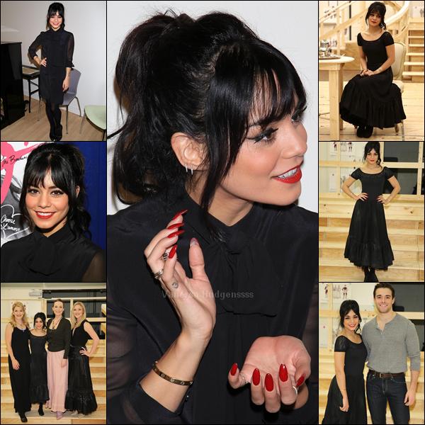 """Voici (enfin) des photos de Vanessa pendant les répétitions de """"Gigi"""". Nessa est tellement mignonne. Vos avis ?"""