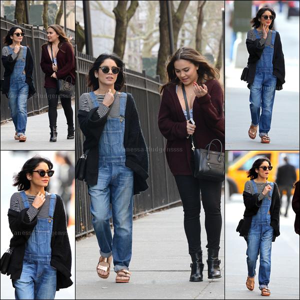 13.04.2015 : Vanessa a été vue avec sa soeur Stella, dans les rues de Greenwich Village. Je n'aime pas trop sa tenue.. BOF. Vos avis ?