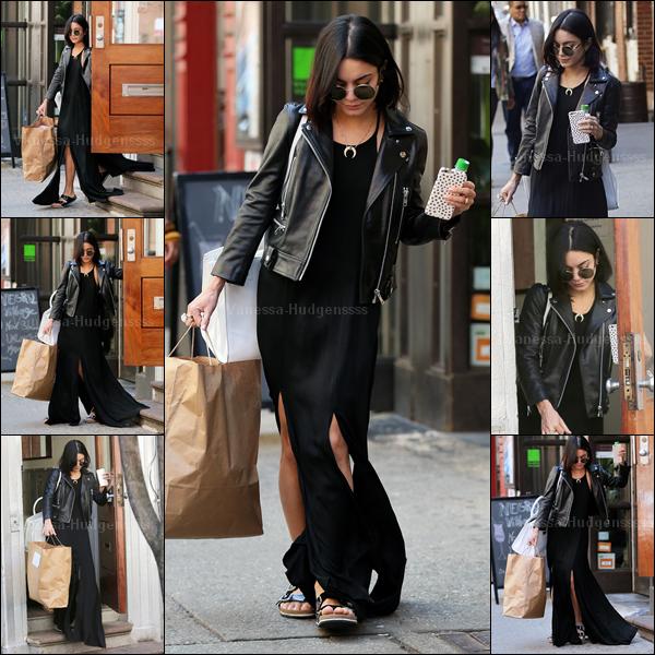 19.04.2015 : Vanessa a encore une fois été photographiée quittant son appartement à New-York. J'aime bien sa tenue, même si je trouve que la robe aurait été mieux qu'avec une seul fente.. Par contre les chaussures je n'aime pas du tout, mais ça reste un TOP je trouve. Et pour vous ?
